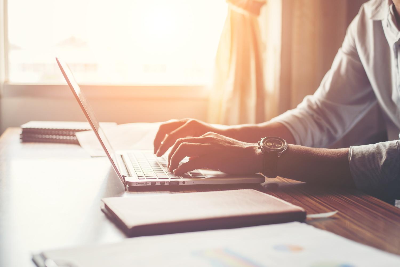 Jak dobrać laptop biznesowy
