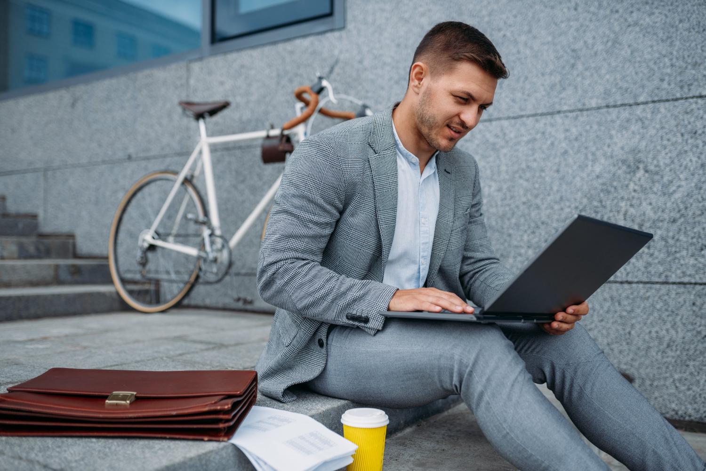 Lenovo ThinkPad X1 Carbon Gen 9 – Najwyższa mobilność i wydajność
